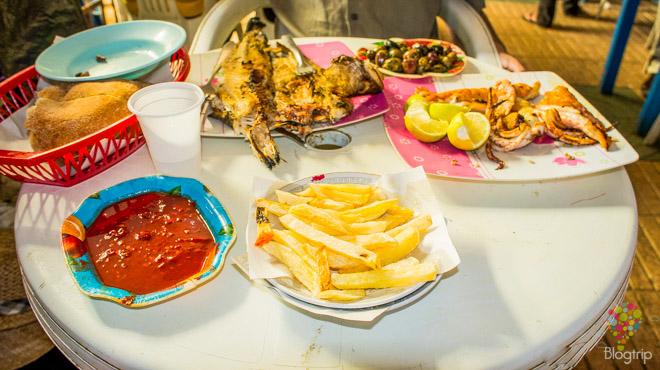 Comida frutos del mar típica en Essaouira Marruecos