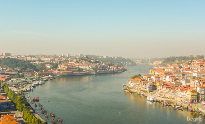Fotografía panorámica de Oporto en Portugal
