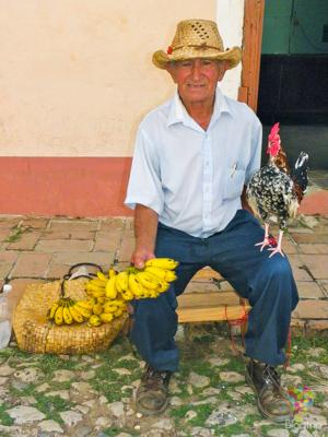 Fotografía de personas en las calles de Cuba