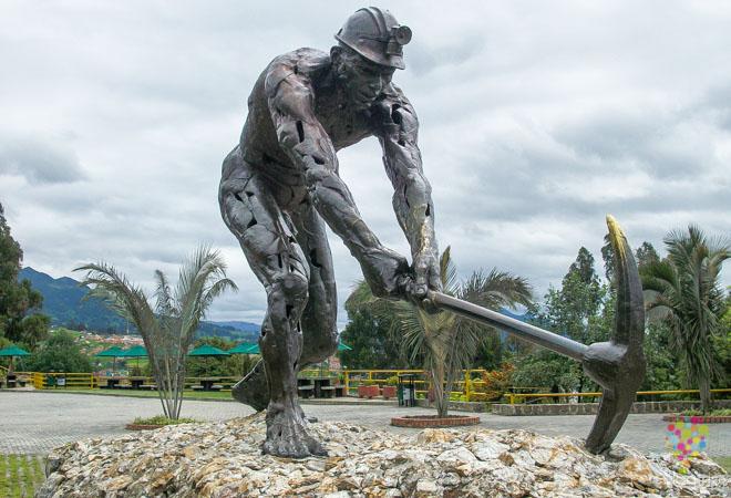 Homenaje a los mineros de la mina de sal de Zipaquirá