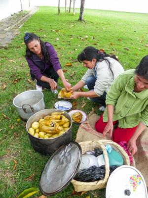Sancocho de gallina comida típica de Colombia