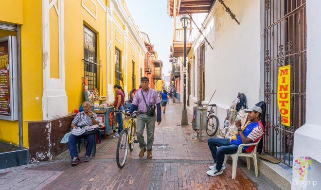 Visita del centro histórico de Santa Marta Colombia
