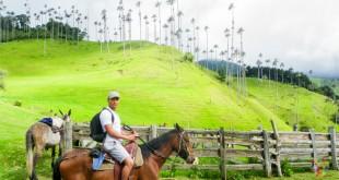 Aristofennes en cabalgata en el valle Cocora, Blogtrip viajes