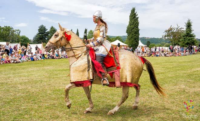 Caballería de gladiadores en batalla romana
