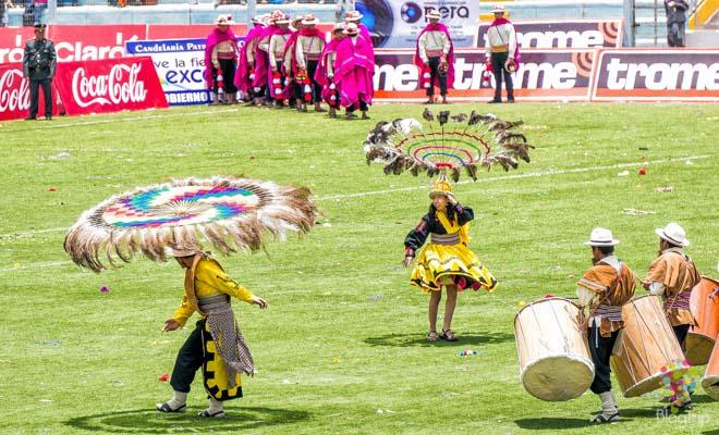 Concurso de danzas folklóricas Puno Perú