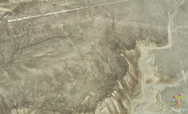 """Figura geoglifo """"colibrí"""" líneas de Nazca Perú"""