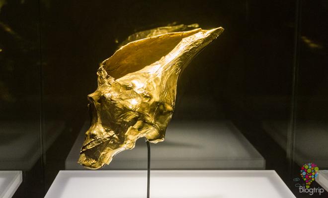 Figura precolombina concha de oro - Museo del oro