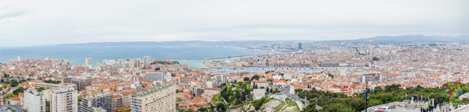 Fotografía panorámica de la ciudad de Marsella Francia