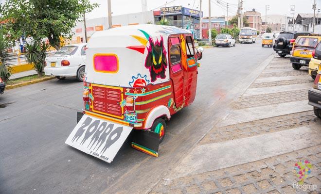Moto taxi en la ciudad de Ica hacia Huacachina Perú