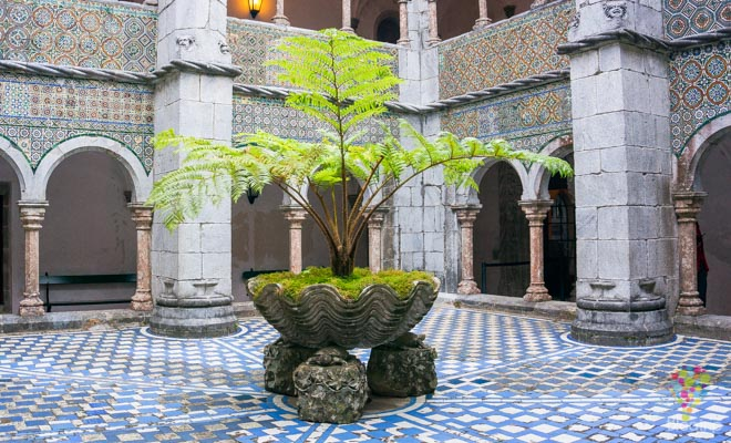 Patio interior, recorrido por el palacio da pena y su estilo islámico