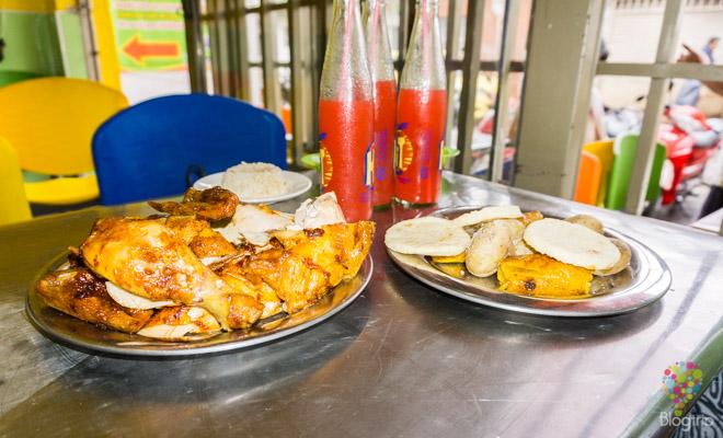 Pollo asado a la brasa en Colombia