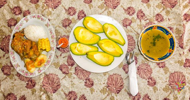 Sancocho de gallina, comida típica colombiana