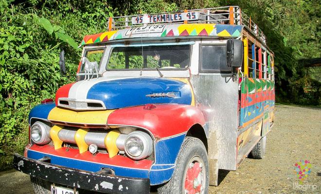 Viajar en chiva por el eje cafetero de Colombia