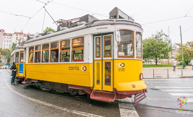 Viaje en el tranvía 28 de Lisboa Portugal