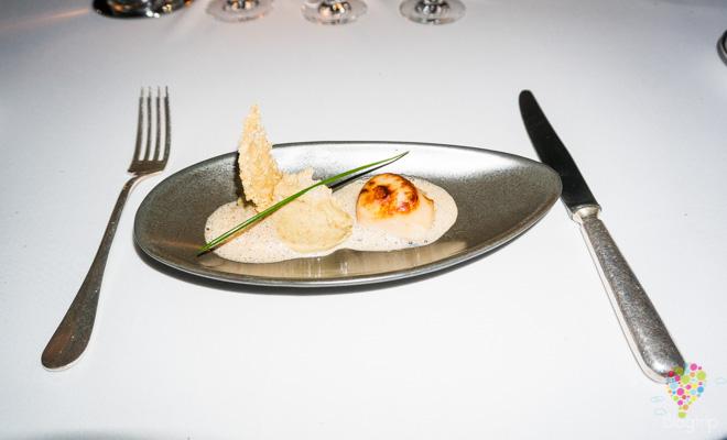 Vieiras en salsa de alcachofa, gastronomía francesa