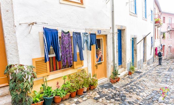 Visita del barrio Alfama en Lisboa Portugal