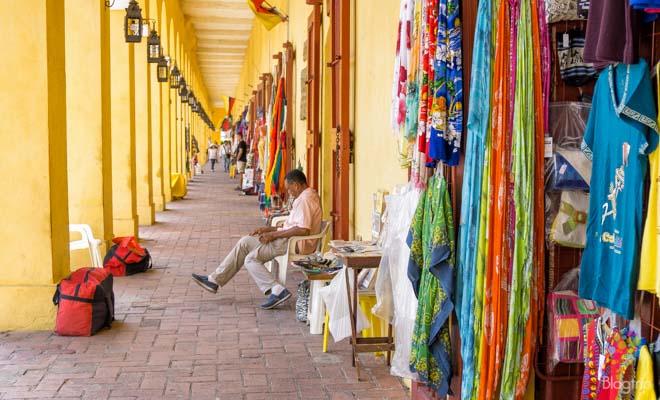 Almacenes y bóvedas de artesanías en Cartagena de Indias