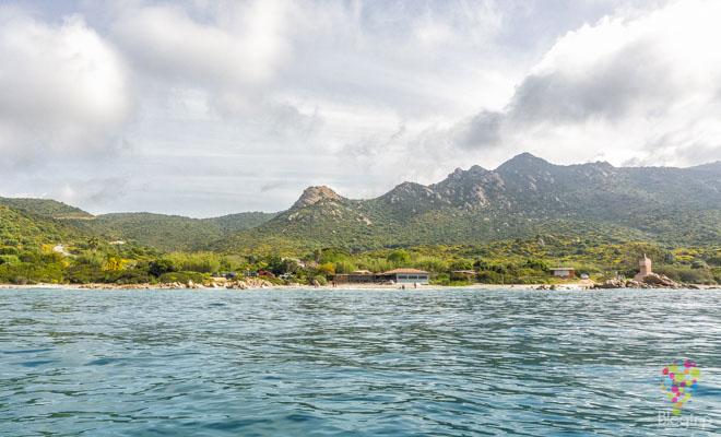 Playa en la isla de Córcega en Ajaccio