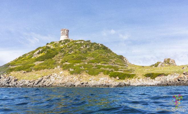 Torre de la Parata, Ajaccio Córcega en kayak de mar