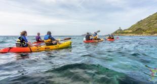 Ajaccio en Córcega vista desde un kayak de mar