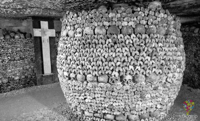 Visitar las catacumbas de París Francia