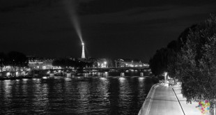 Visitar París : foto relato de la ciudad luz en blanco y negro