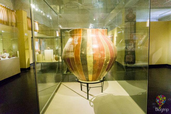 Cerámica de la época prehispanica museo en Ica Perú