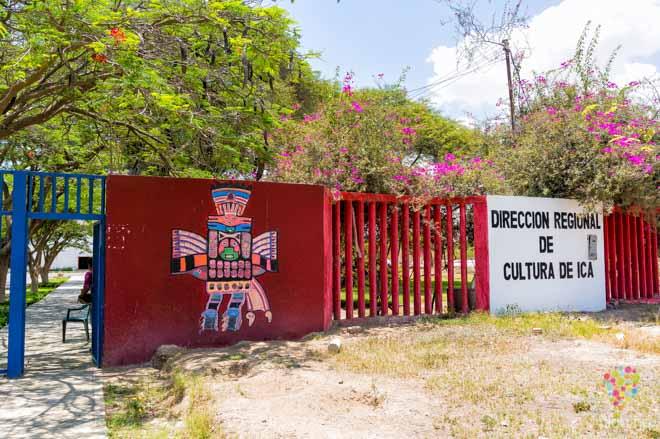 Puerta al llegar al museo regional de Ica Perú