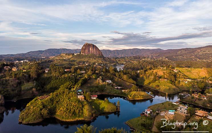 Guatapé y piedra del Peñol en Antioquia - viajes a Colombia